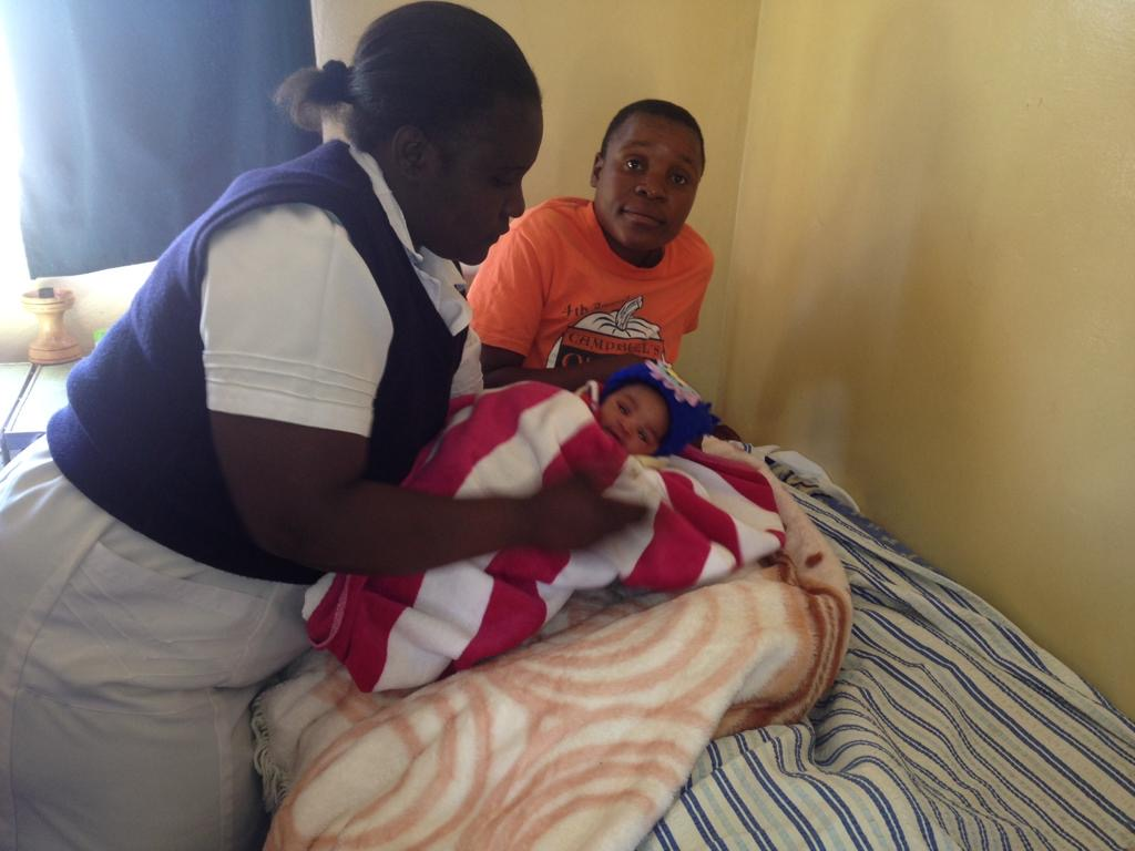 Arnoldine Clinic receives baby blankets!!